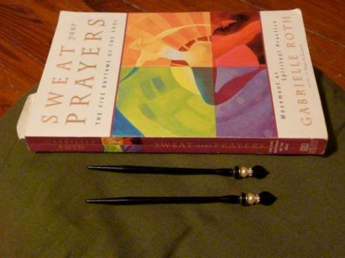 Mei Fa sticks and book